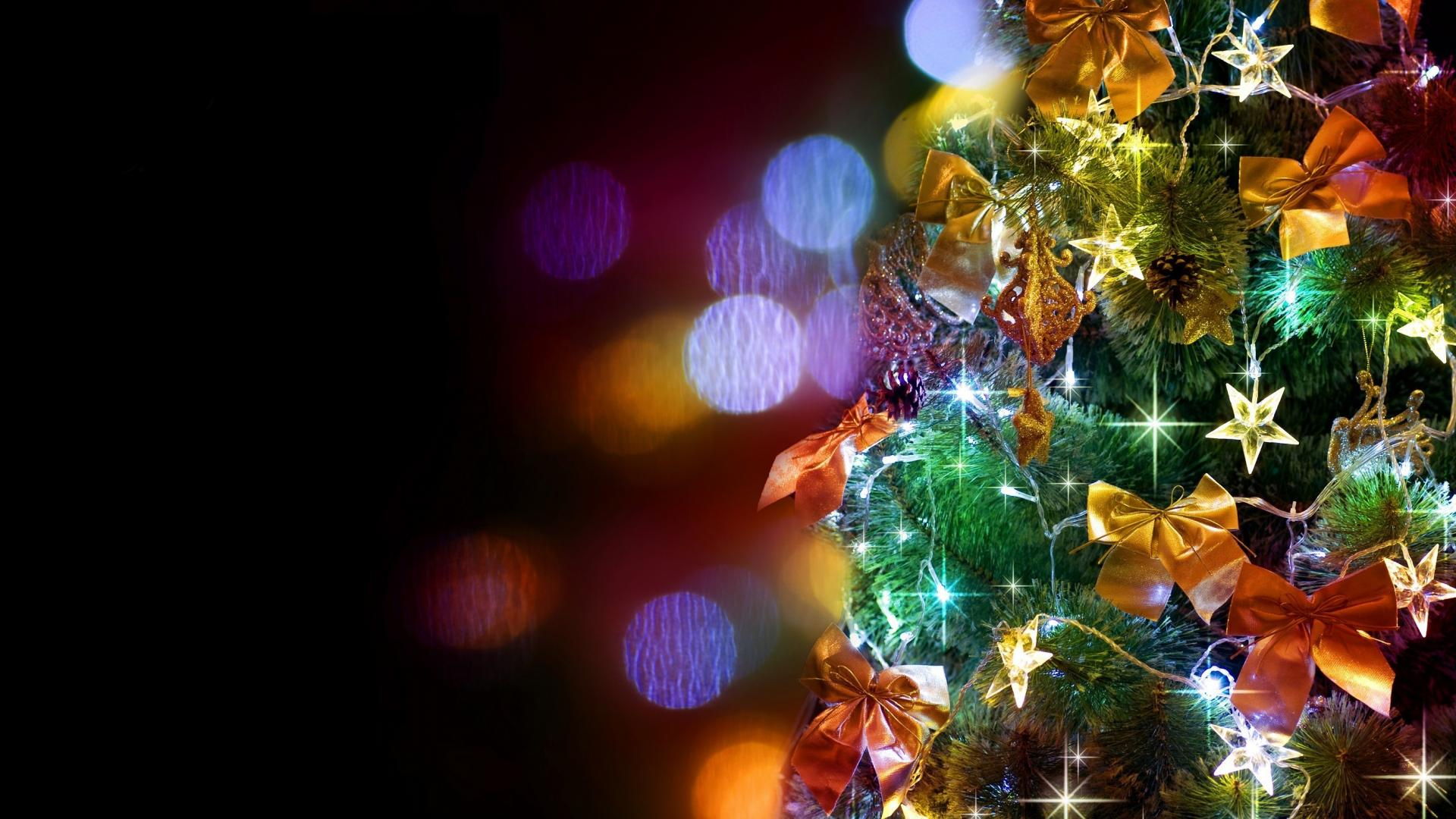 Christmas Tree Decorations Desktop HD Wallpaper of 1920x1080