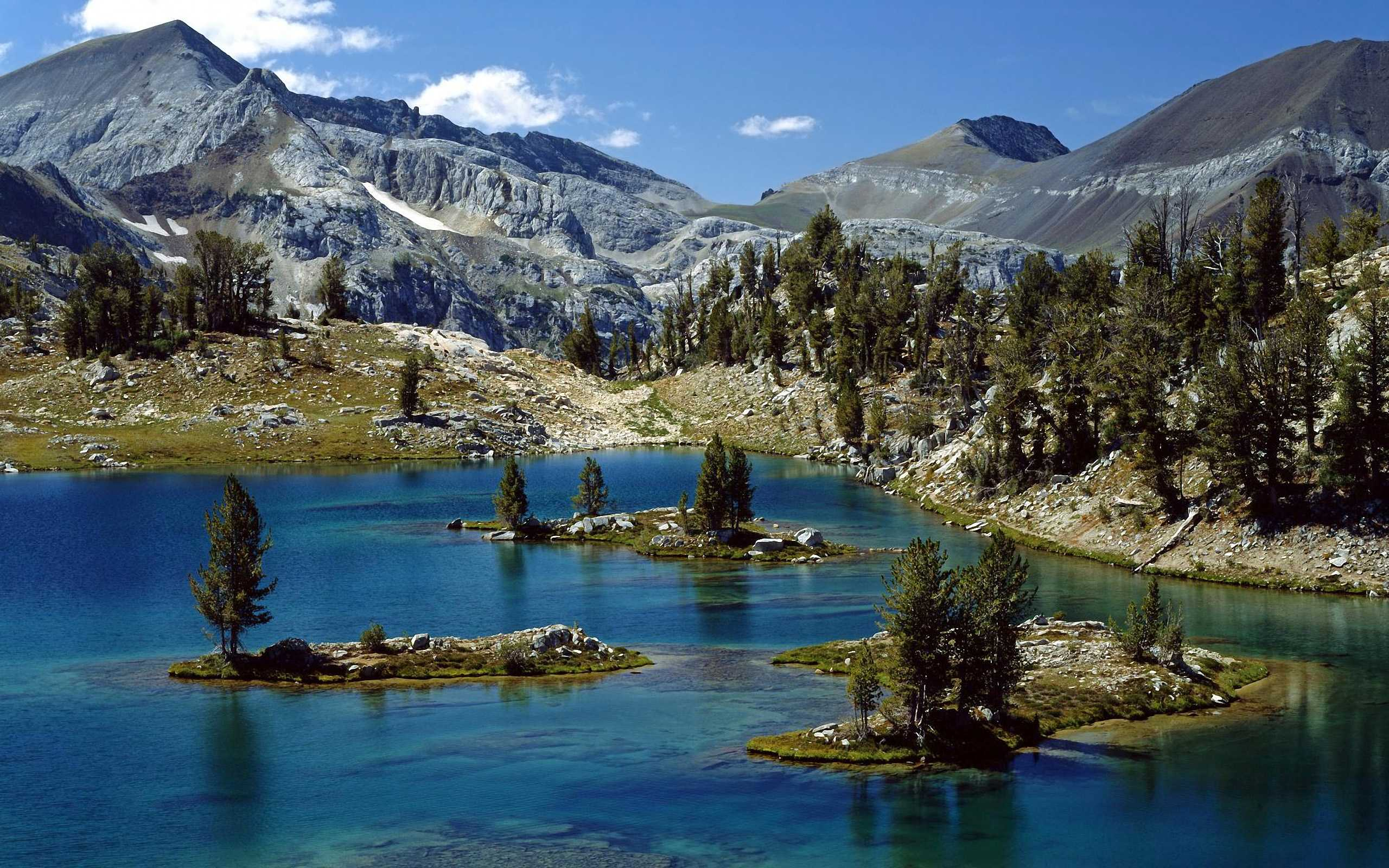 природа река горы скалы деревья облака  № 3796771 бесплатно