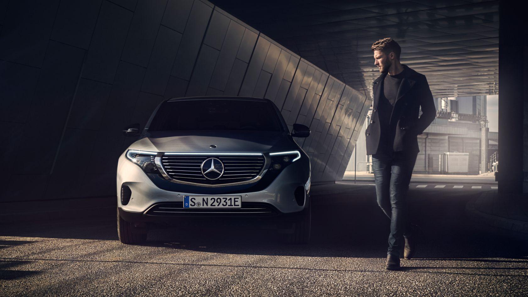 MBsocialcar Mercedes Benz EQC 2019 1680x945