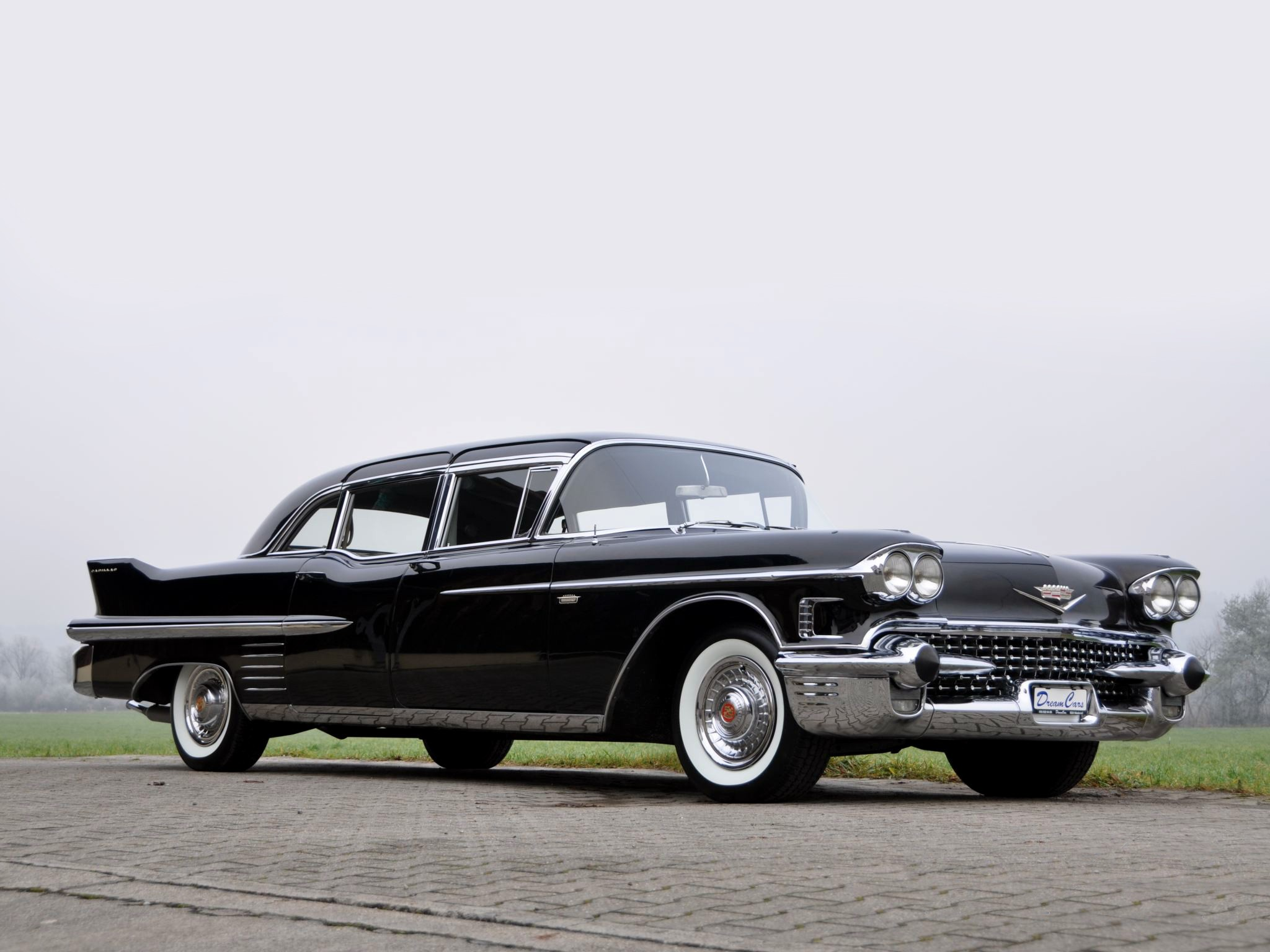 1 1958 Cadillac Fleetwood Limousine HD Wallpapers Background 2048x1536