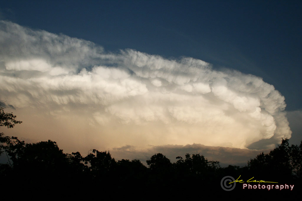 Supercell Thunderstorm Over 1024x683