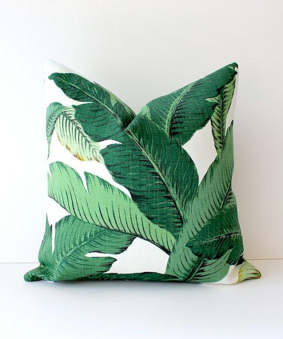 de jungle met het Martinique Banana Leaf wallpaper van Hinson   Roomed 570x683