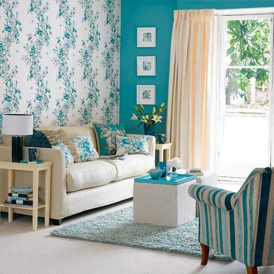 Feature wall living room Image Housetohomecouk 550x550