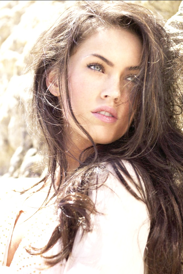 Megan Fox iPhone 4 Wallpaper 640x960