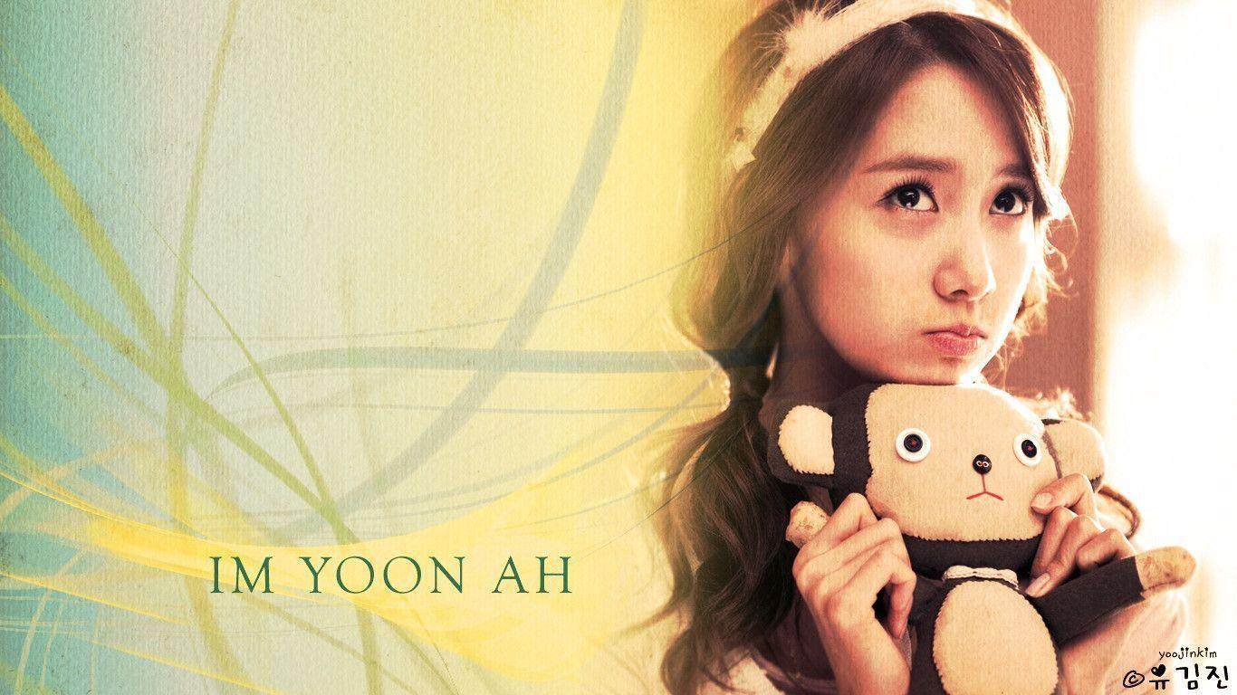 Yoona Wallpapers HD 1366x768