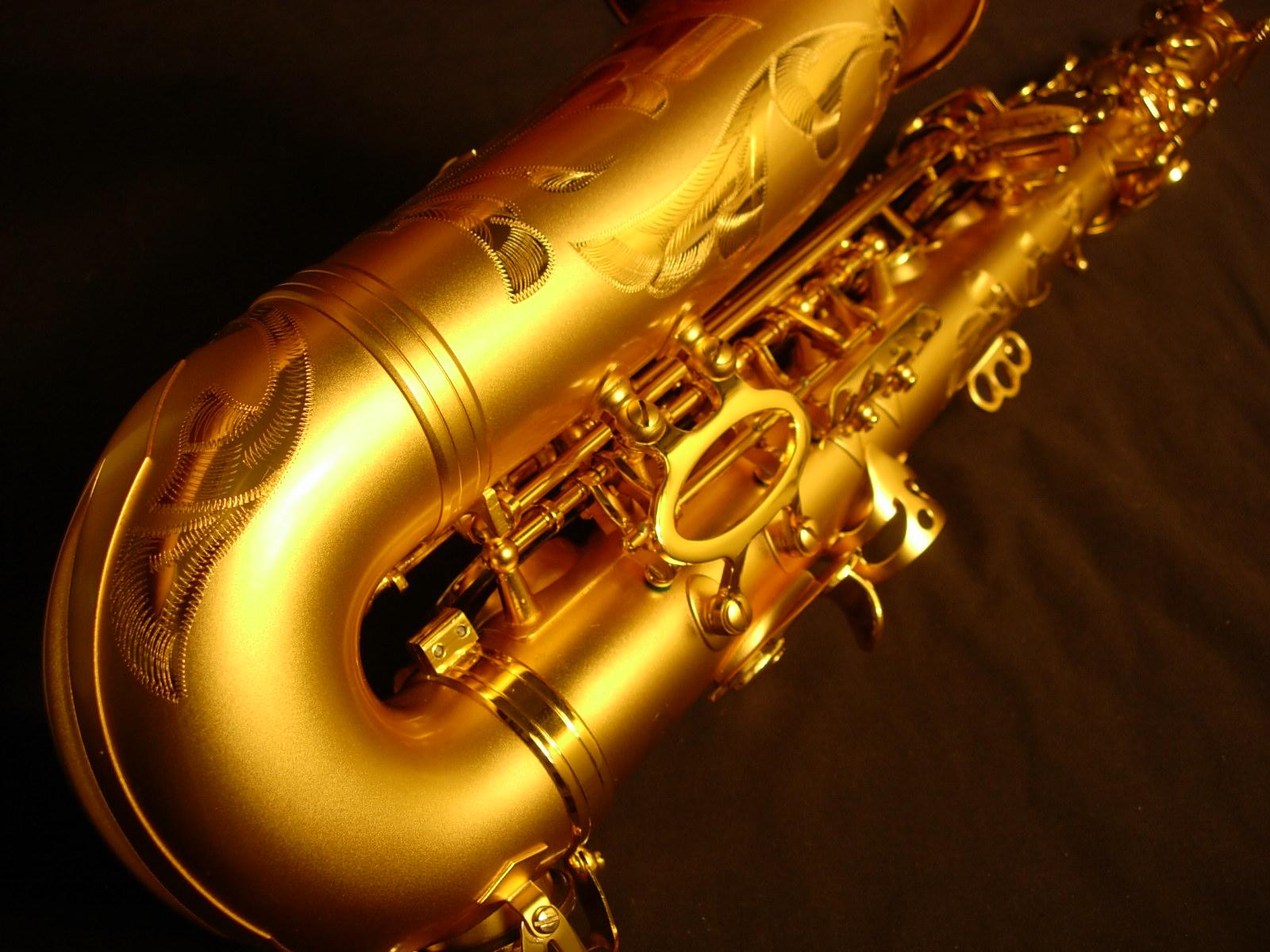 alto saxophone wallpaper blue saxophone wallpaper alto saxophone 1600x1200
