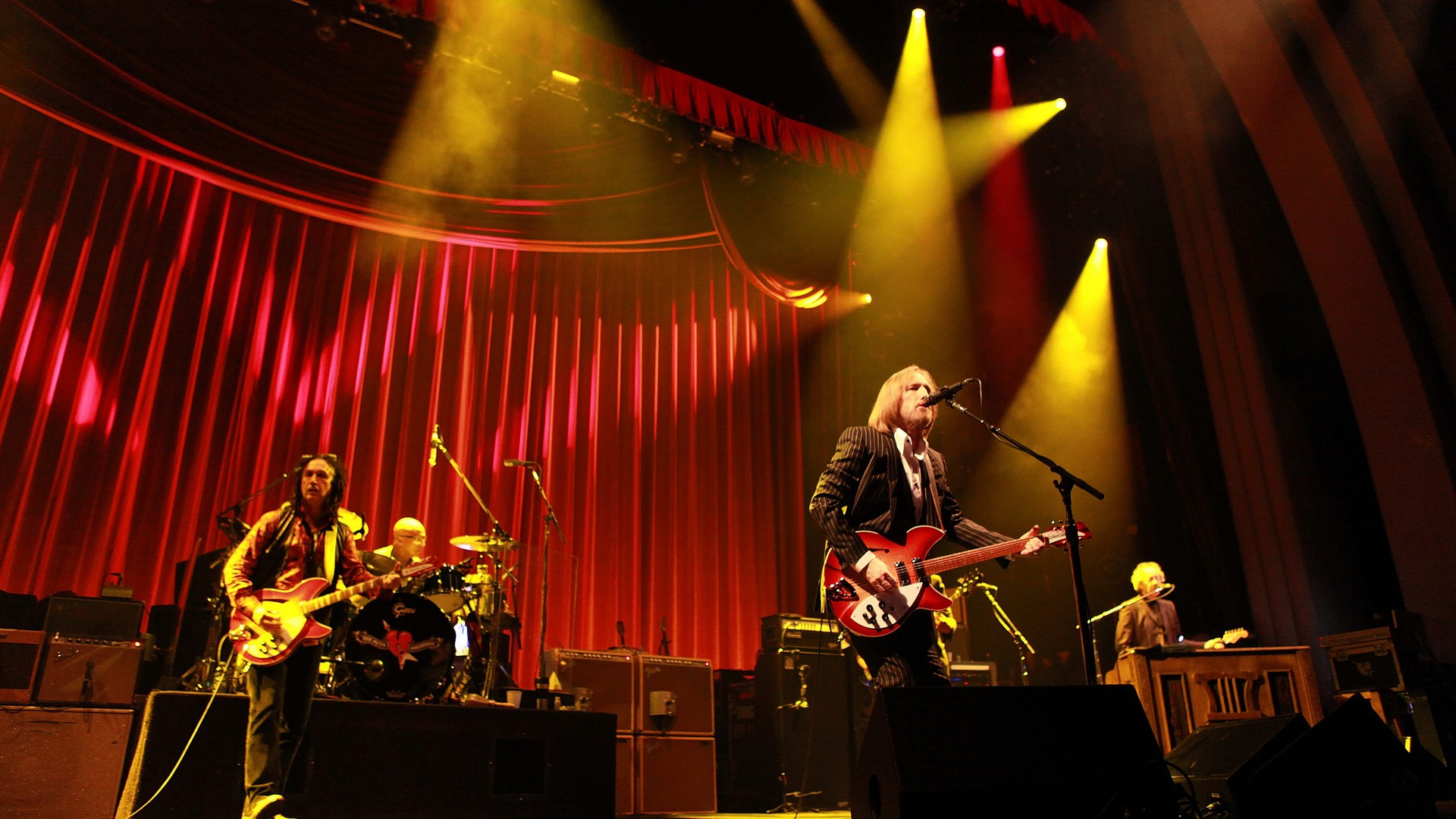 Tom Petty and The Heartbreakers backdrop wallpaper 1920x1080