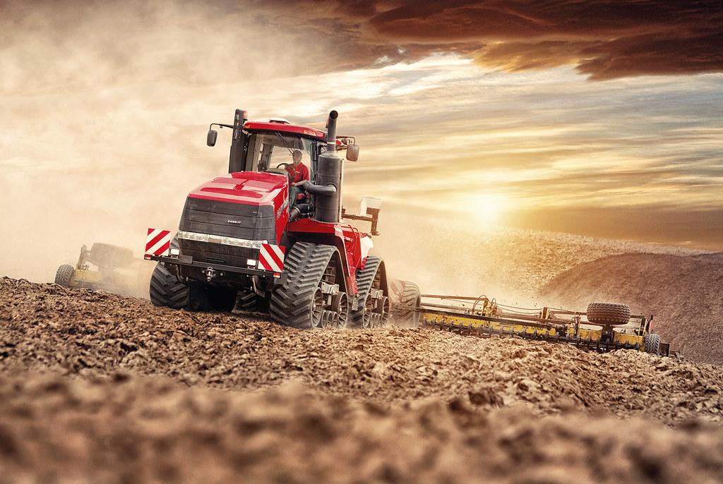 Case Ih Quadtrac 620 In Sunset   Case Ih Tractor Background Hd 1024x686