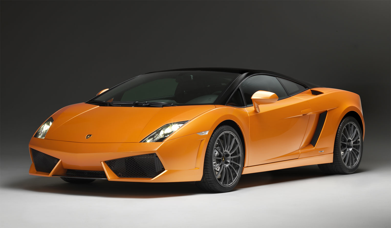 Lamborghini Sports Car   Wallpapers Pictures Pics Photos Images 1600x934