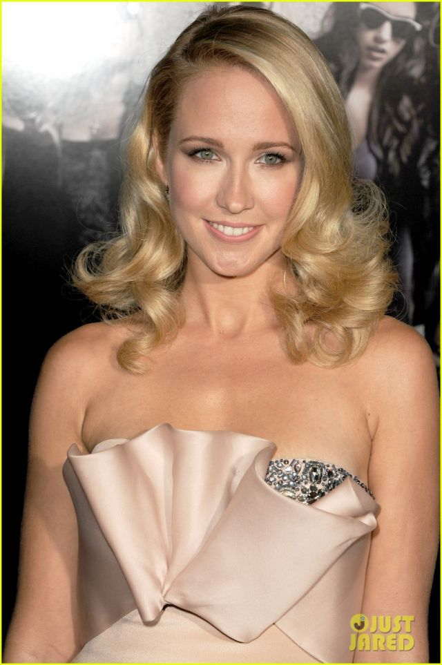 Anna Camp Classy Sexy Women Celebrities Pictures Piccit 640x963