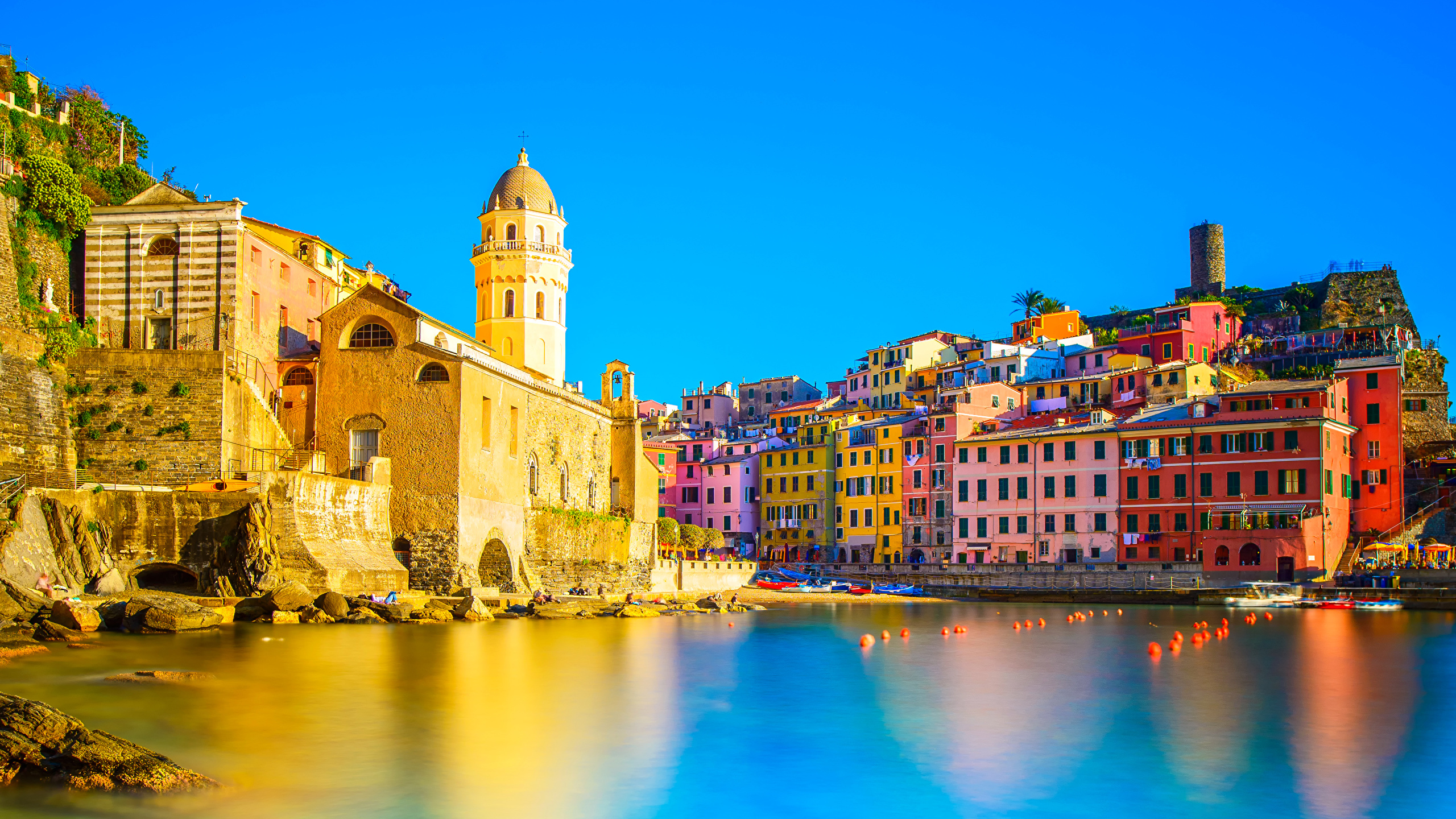 Images Liguria Vernazza Cinque Terre park Italy Sea Cities 2560x1440 2560x1440
