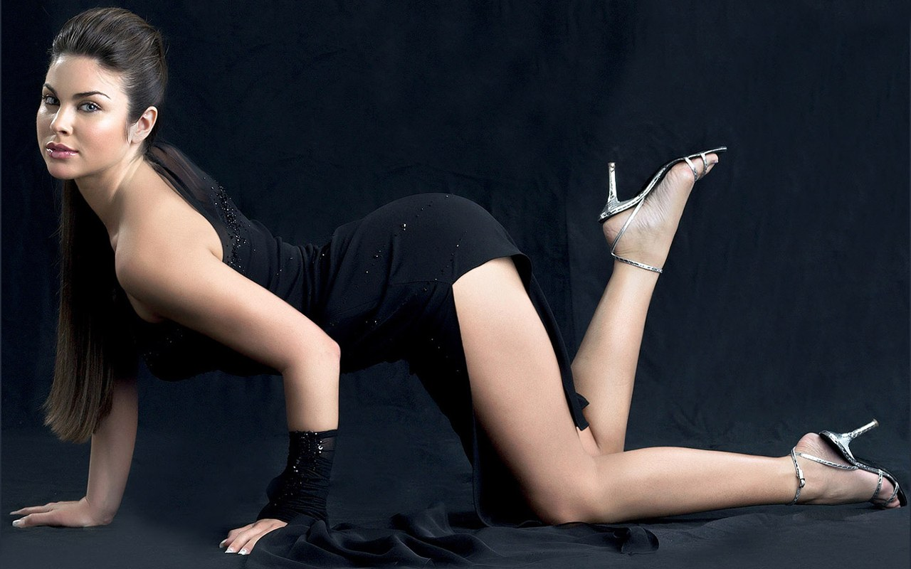 Fashion Models Wallpaper 1280 x 800 1280x800