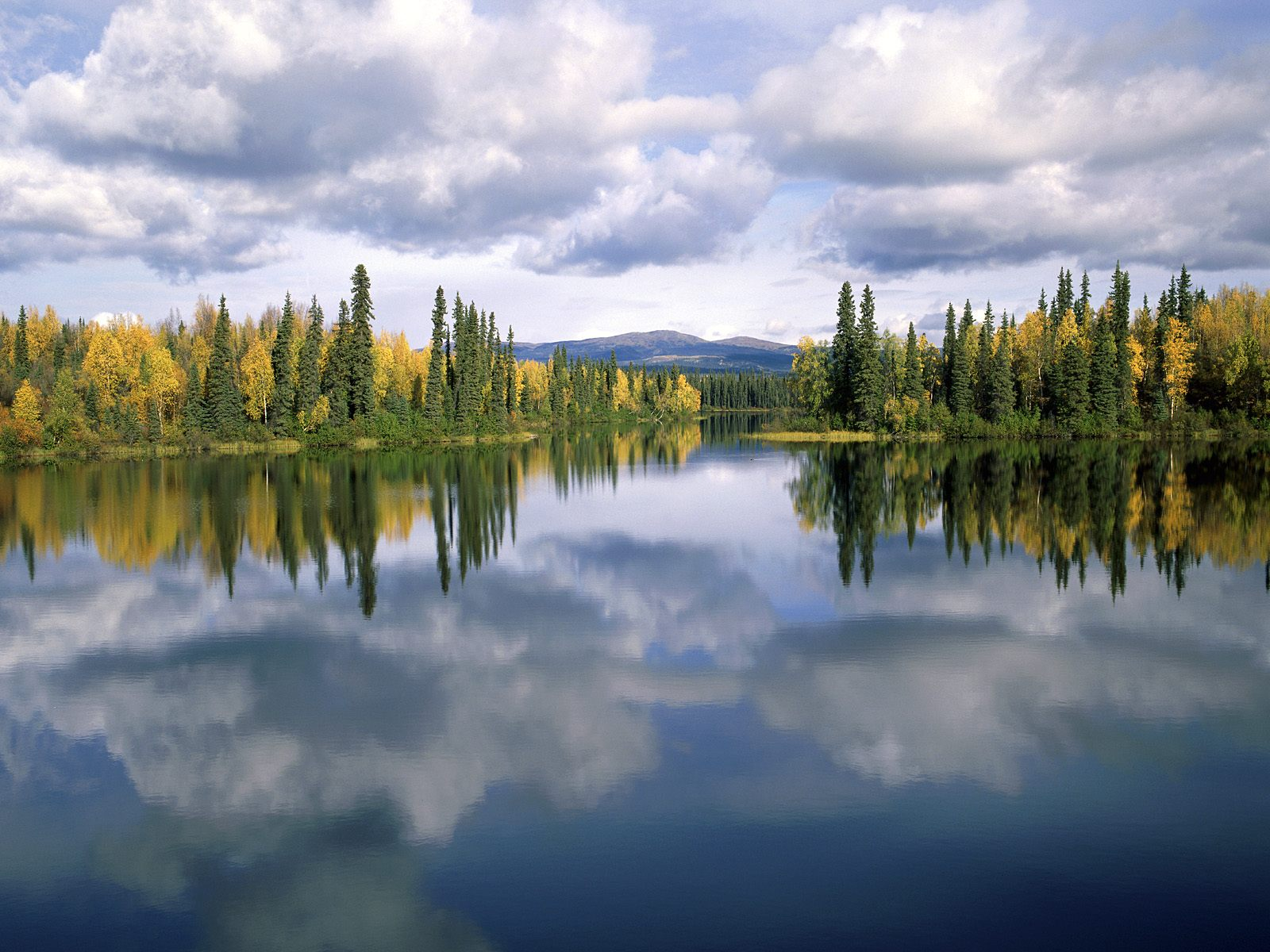 Dragon Lake Yukon Canada photo Dragon Lake Yukon Canada wallpaper 1600x1200