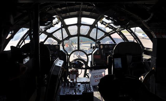 Millennium Falcon Cockpit View Millenium falcon cockpit 640x390