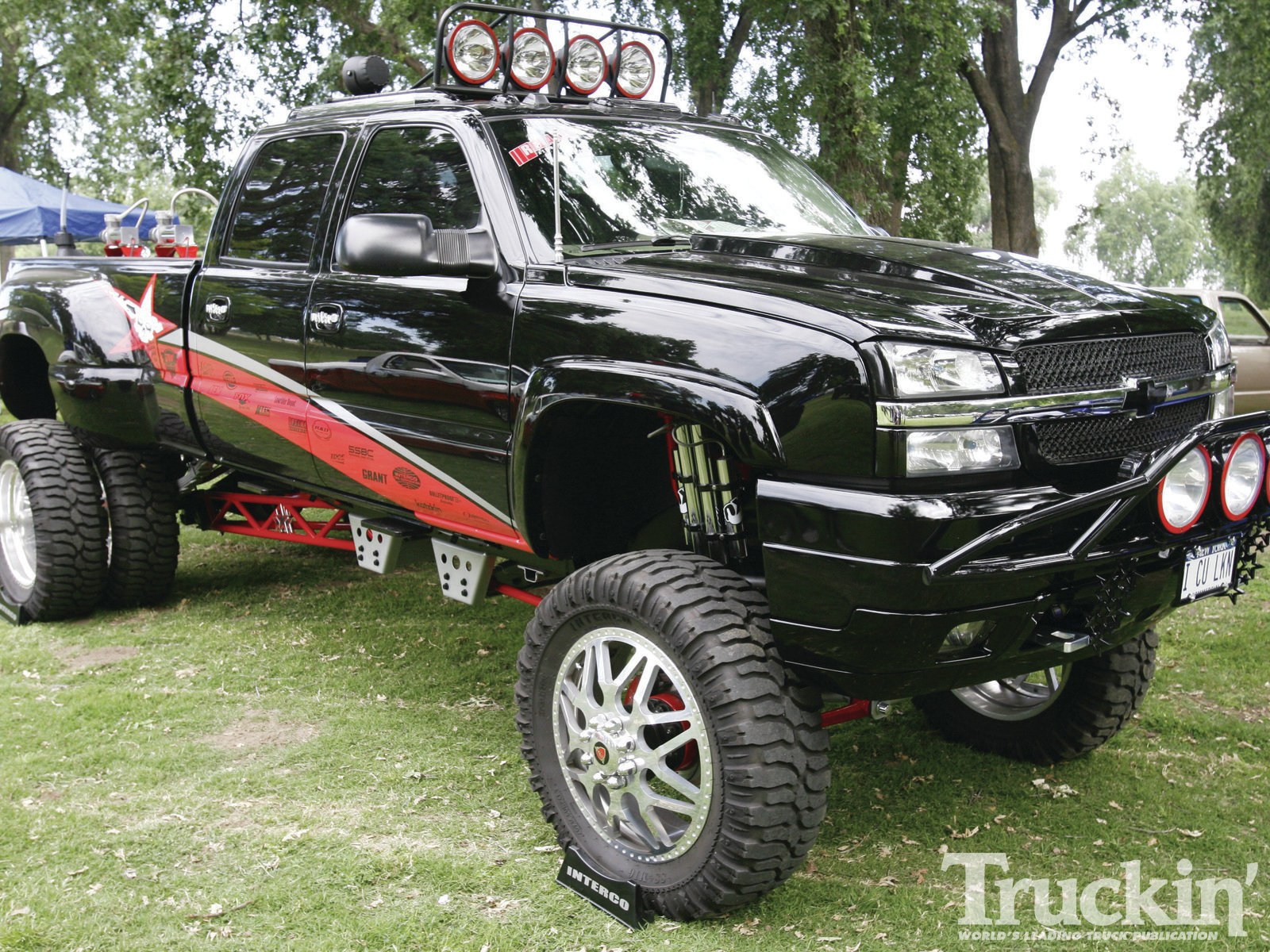 Lifted Chevy Truck Wallpaper Lifted chevy silverado 1600x1200