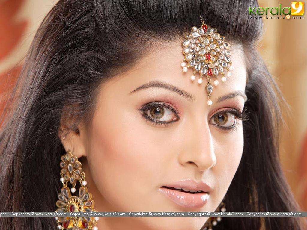 Actress WallpapersMalayalam Actress Wallpaper Malayalam Film Actress 1024x768