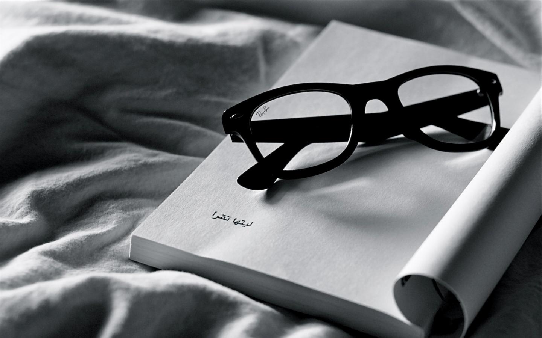 Reading Ray Ban Glasses Wallpaper Stock Orientation horizontal 1440x900