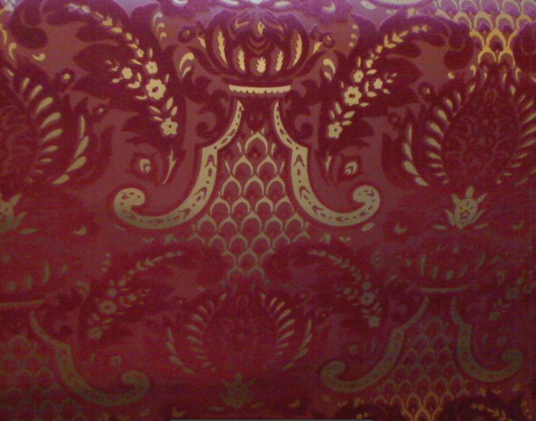 wallpapers walls flock velvet wallpaper burgundy flock on burgundy 767x603