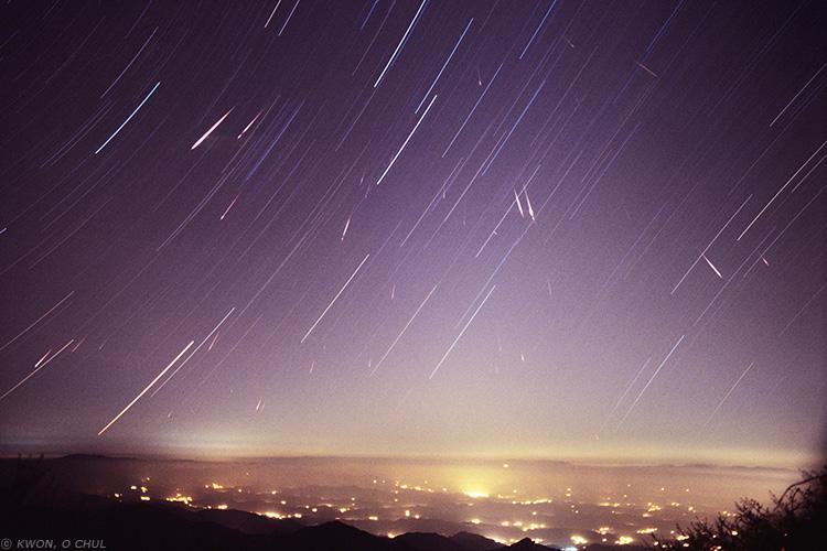 Meteor Shower Wallpaper - WallpaperSafari  Meteor Shower W...