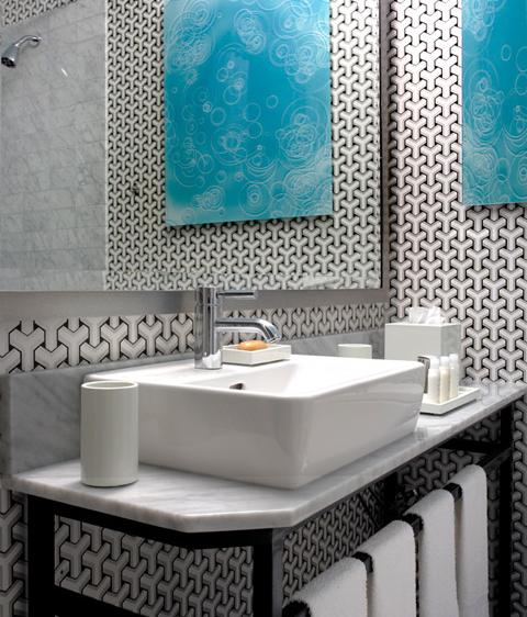 Black and White Geometric Wallpaper Contemporary bathroom Martha 480x562