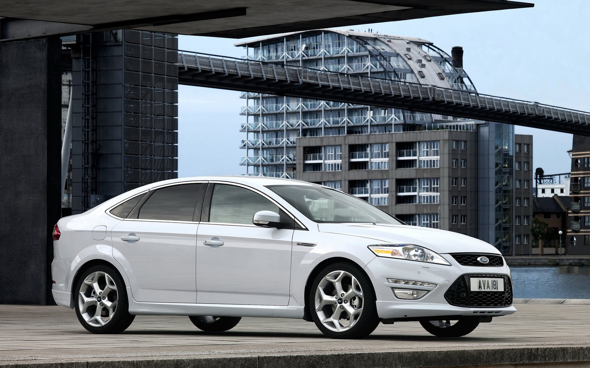 Ford Mondeo 2017 HD Wallpapers 1920x1200