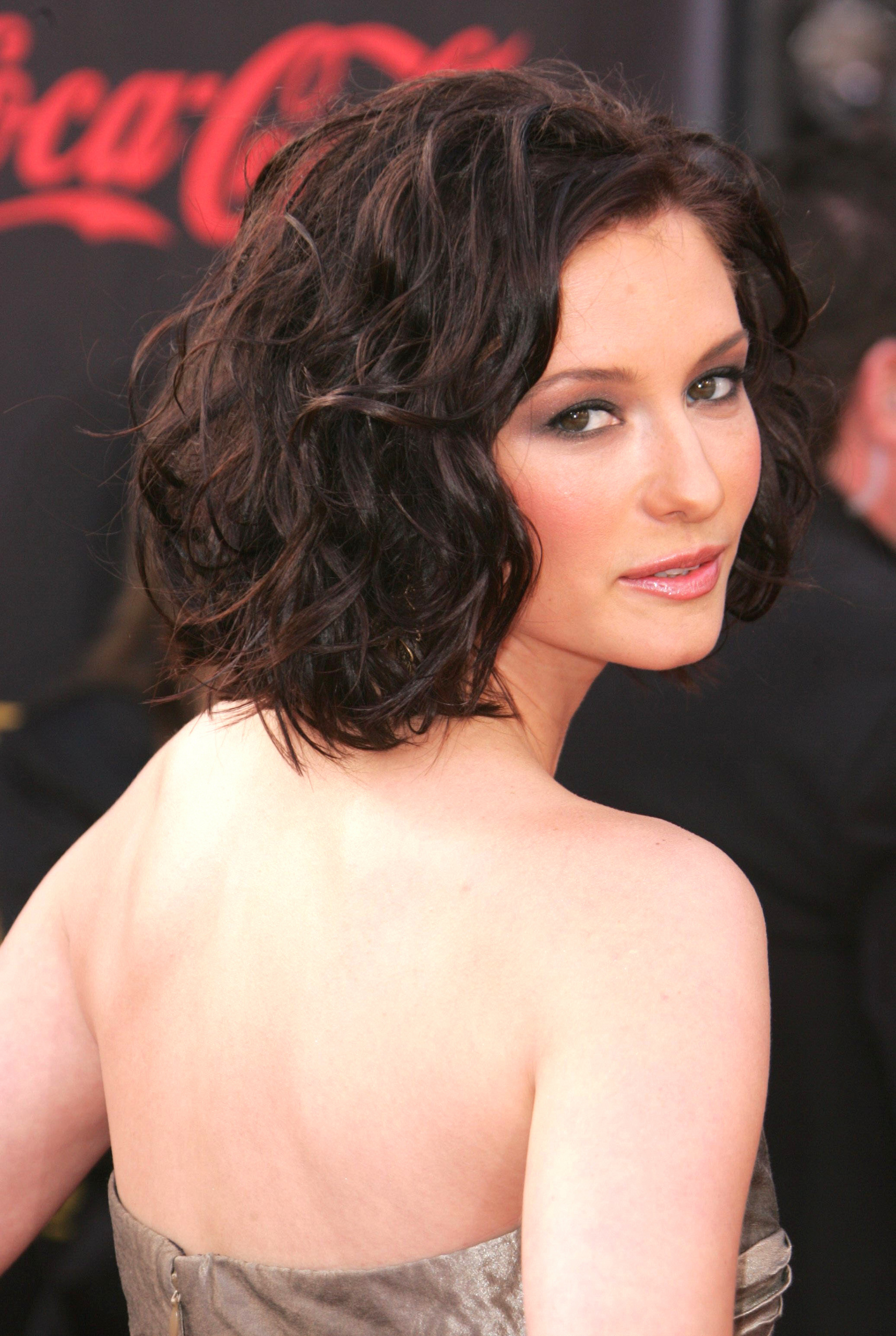 Chyler Leigh images American Music Awards HD wallpaper and 1717x2560