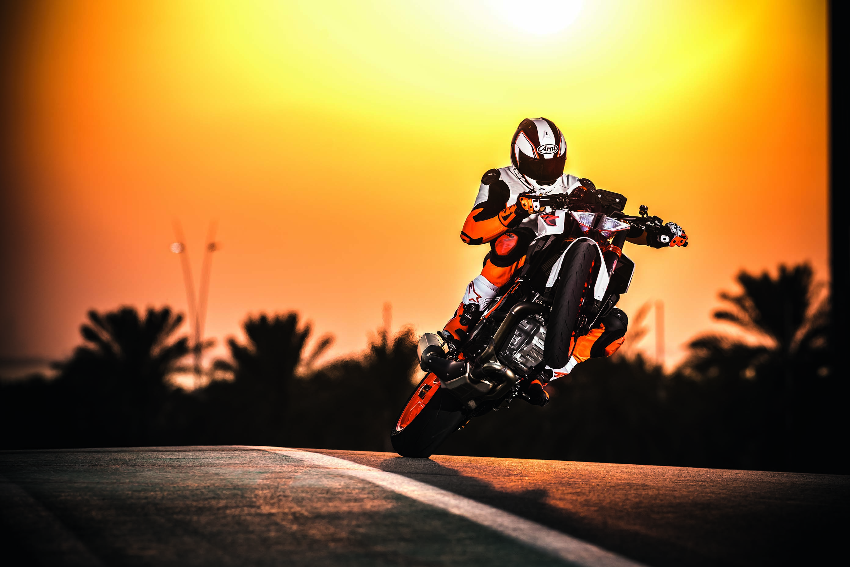 Stunts wallpapers and backgrounds 2784x1856