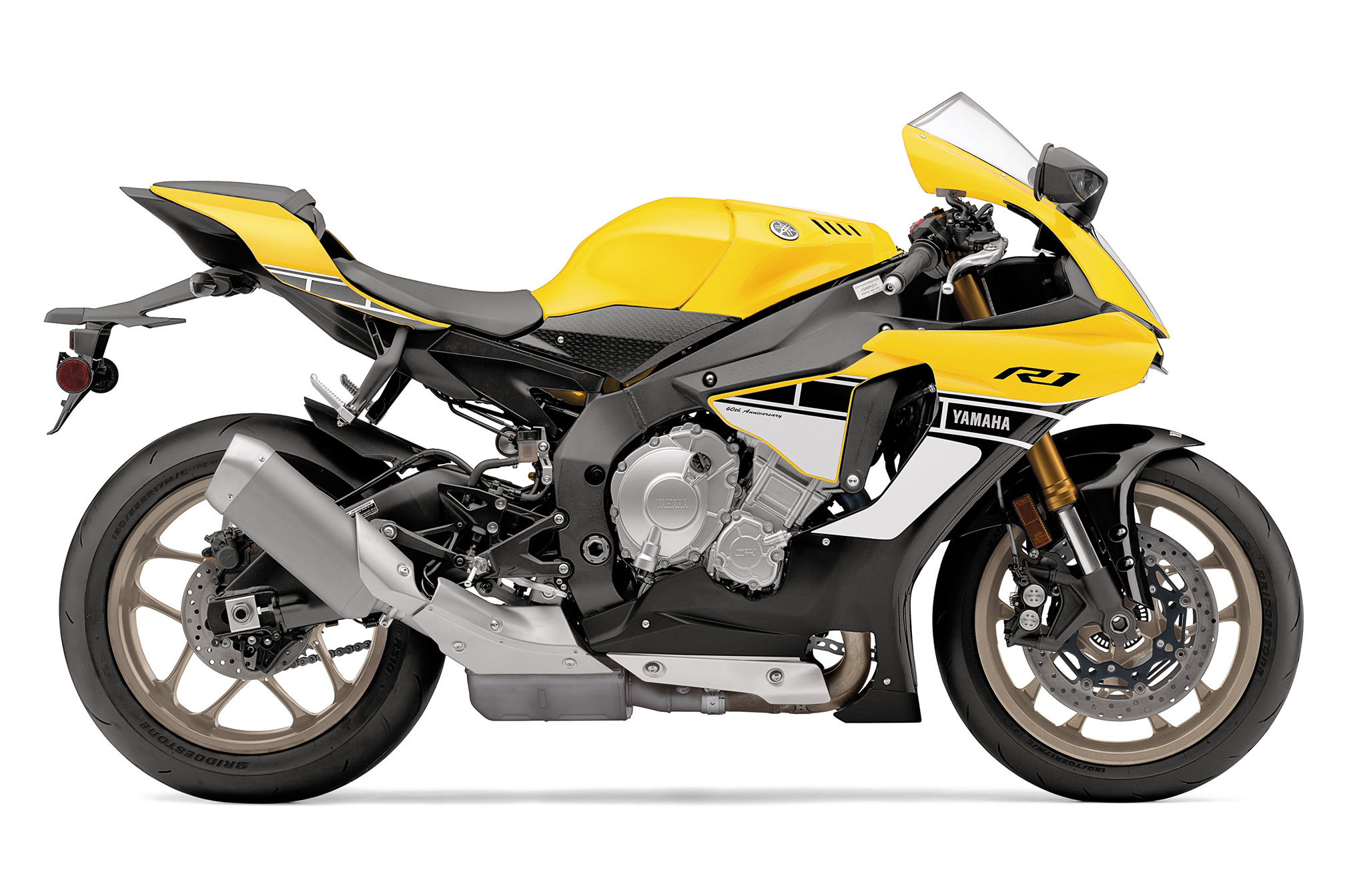 2016 Yamaha YZF R1 Review 2016x1344