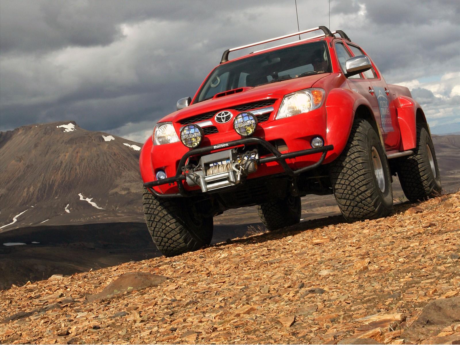 Toyota Hilux Wallpaper 14   1600 X 1200 stmednet 1600x1200
