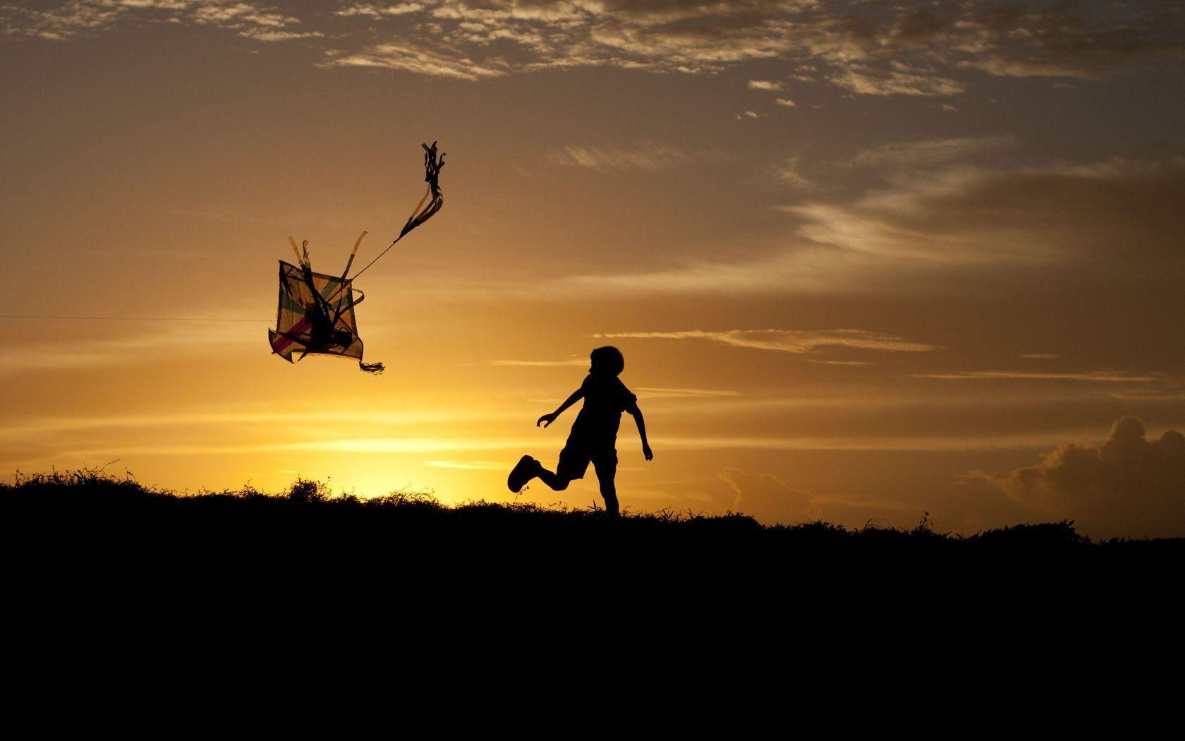Kite Wallpapers 1680x1050