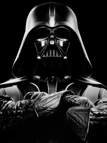 Darth Vader in the dark screensaver for Amazon Kindle 3 375x500