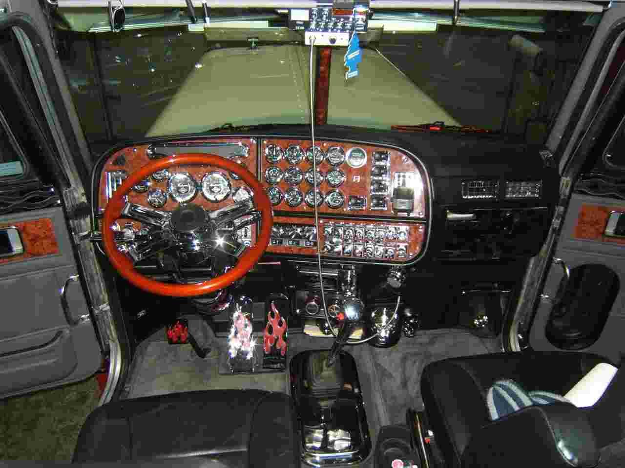 Peterbilt 379 04 wallpaper   Peterbilt   Trucks Buses   Wallpaper 1280x960