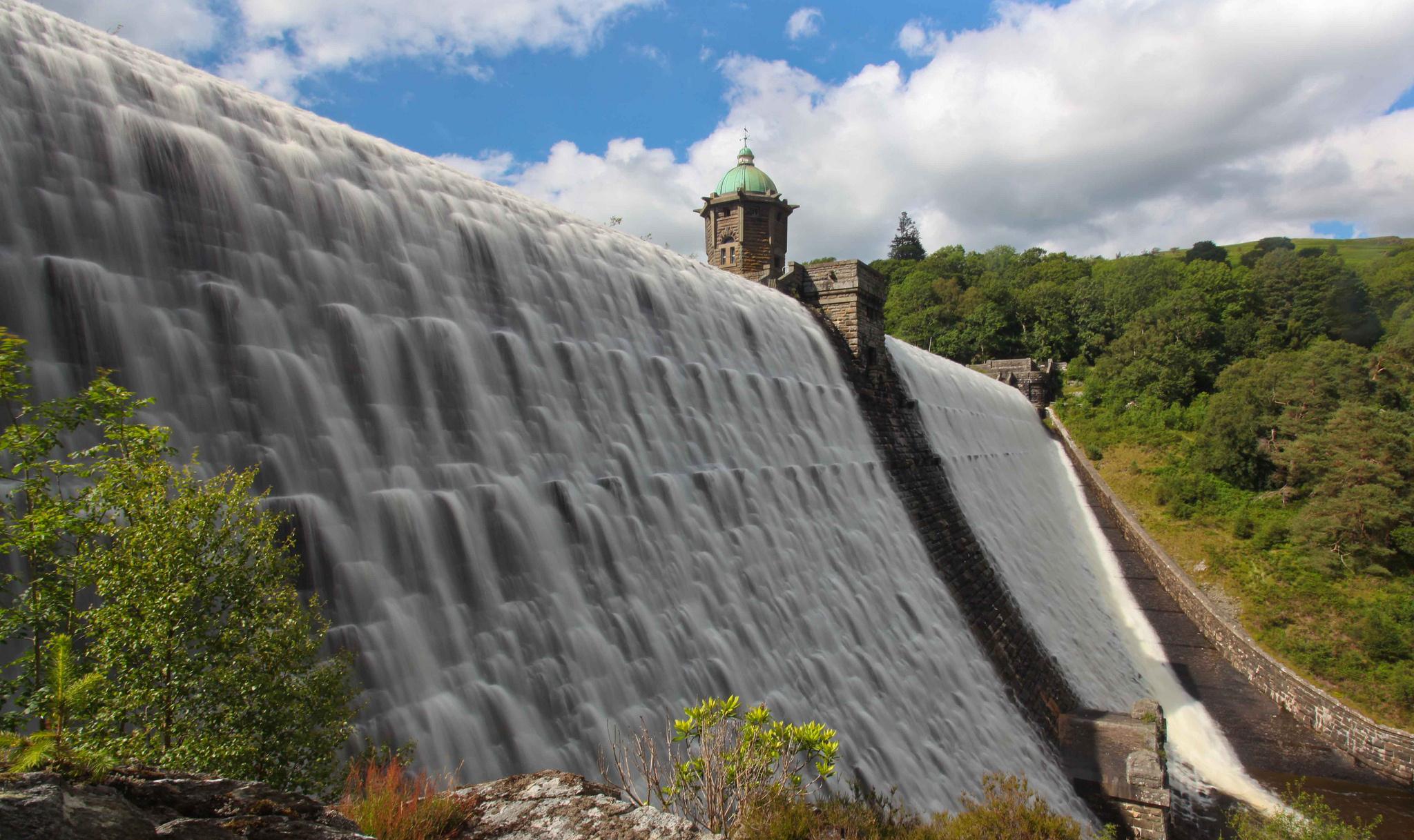 Craig Goch dam Wales wallpaper 2048x1217 117167 WallpaperUP 2048x1217