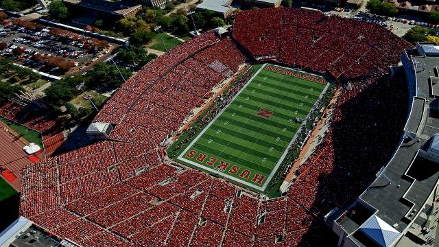 Memorial Stadium   Huskerscom   Nebraska Athletics Official Web Site 640x360