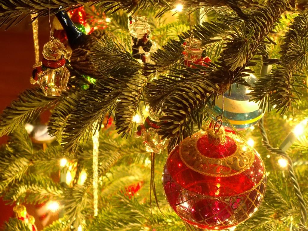 21 Stunningly Beautiful Christmas Desktop Wallpapers   Website 1024x768