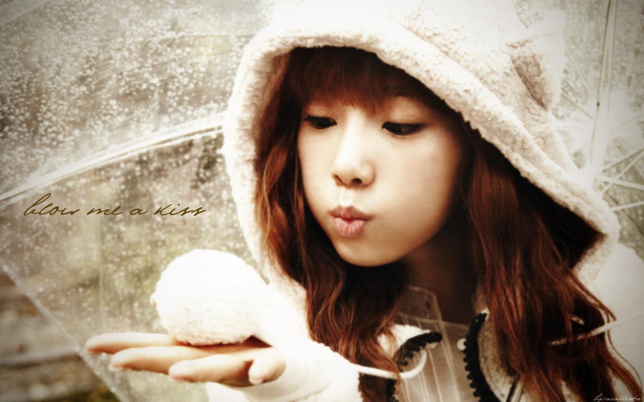 Dhictator Blogs Taeyeon   Closer 1280x800