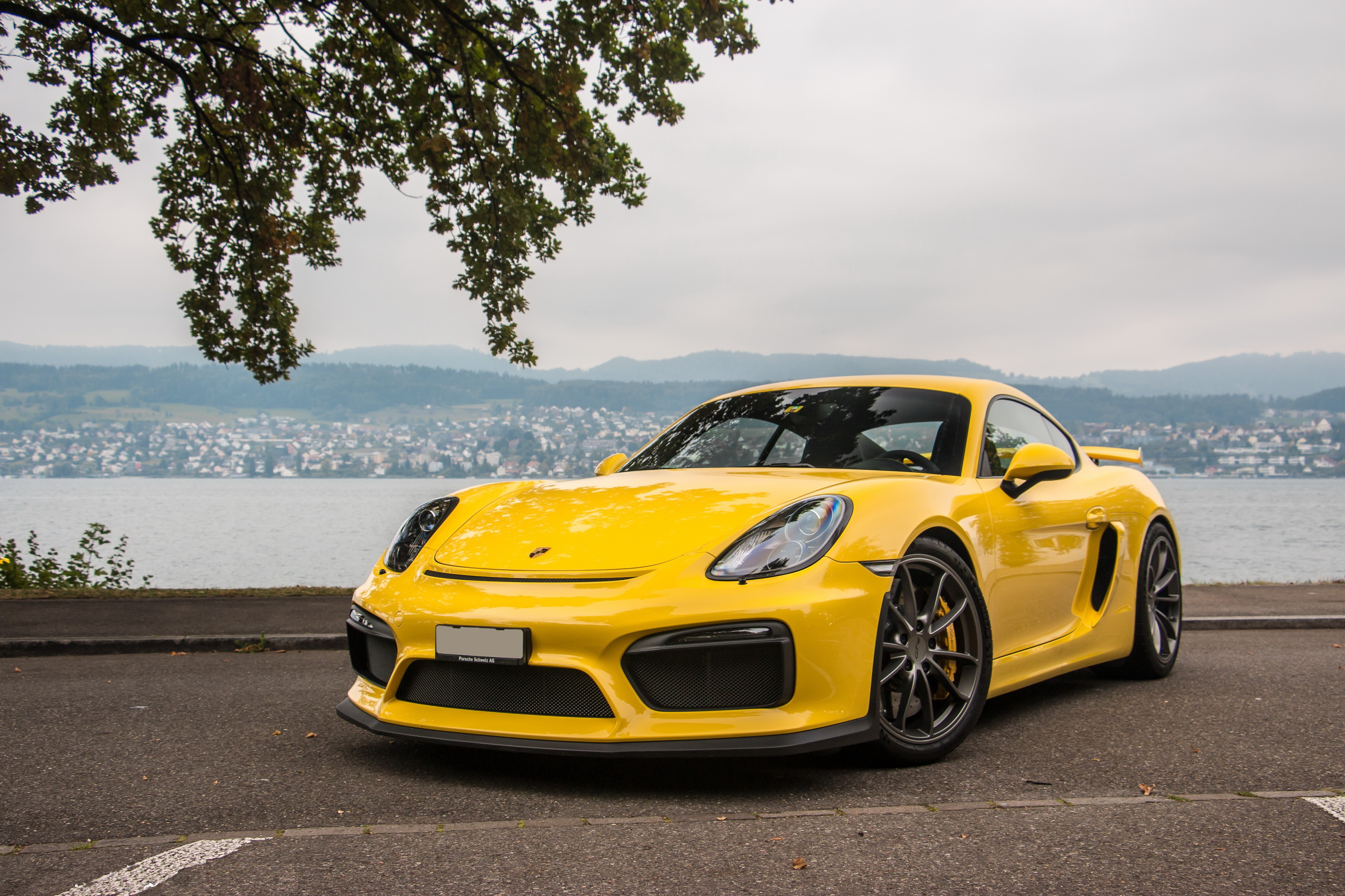 Porsche Cayman GT4 Wallpaper
