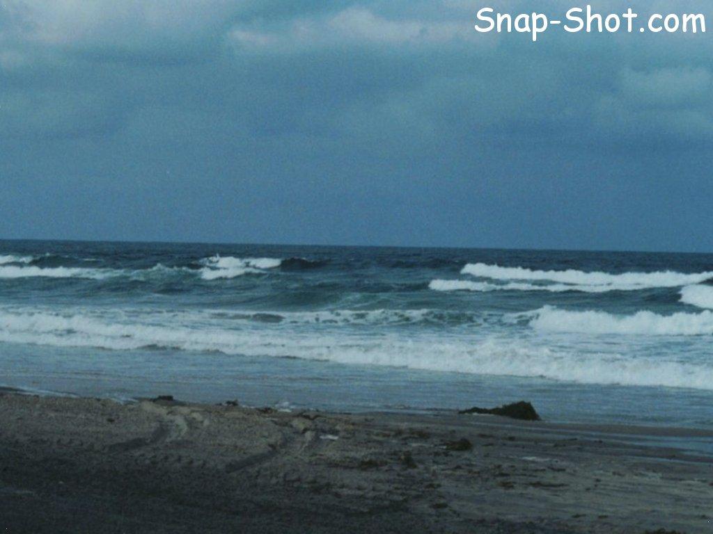 ocean waves beach wallpaper picture 1024x768