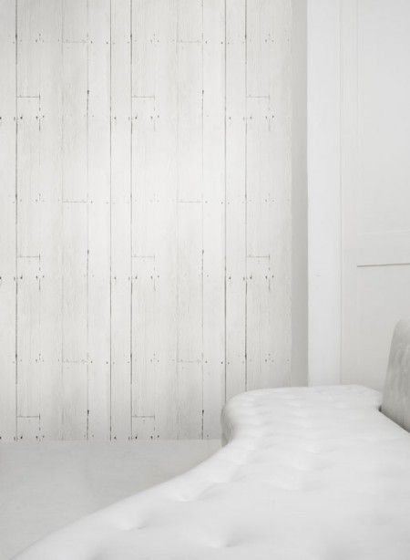 wallpaper that looks like white washed painted barnwood 450x614