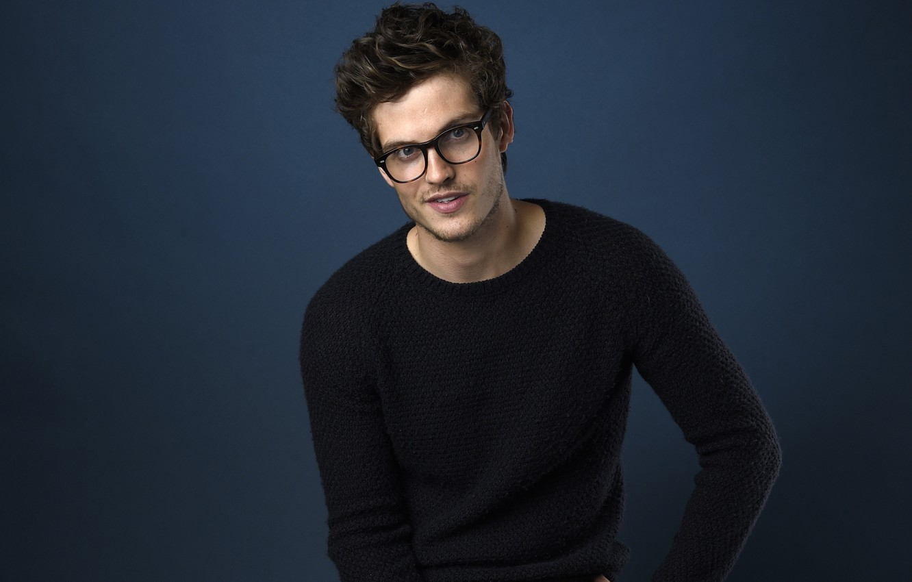 Wallpaper glasses actor Daniel Sharman images for desktop 1332x850