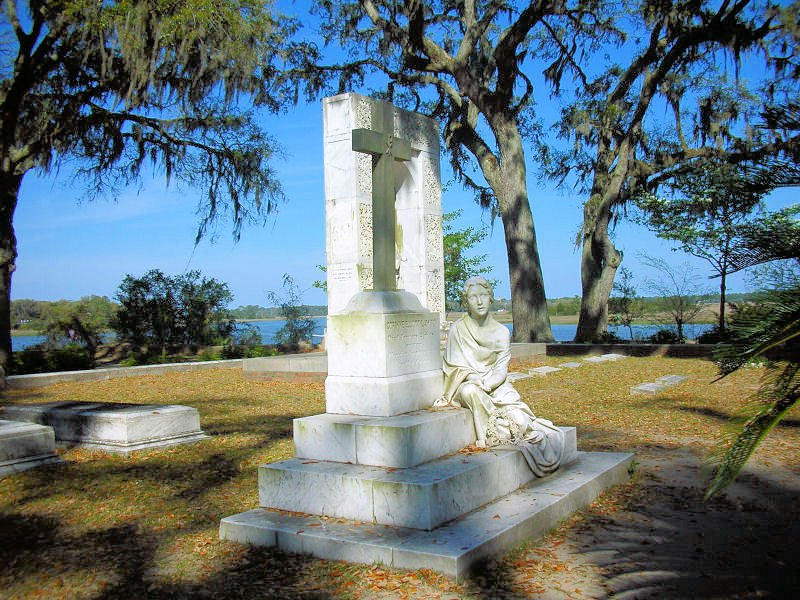 Savannah Georgias Bonaventure Cemetery 800x600