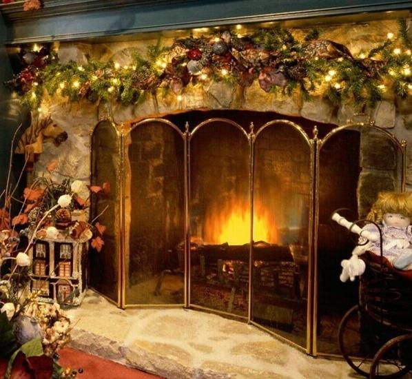 3D Christmas Fireplace Screensaver Fireplace 598x550