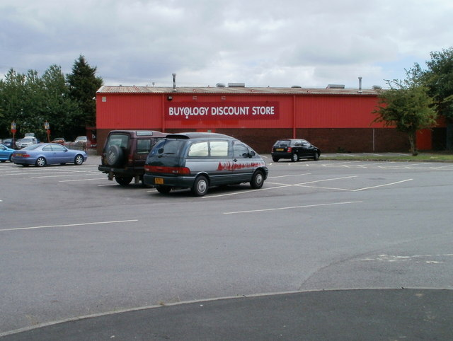 ST3086 Buyology Discount Store Newport 640x482