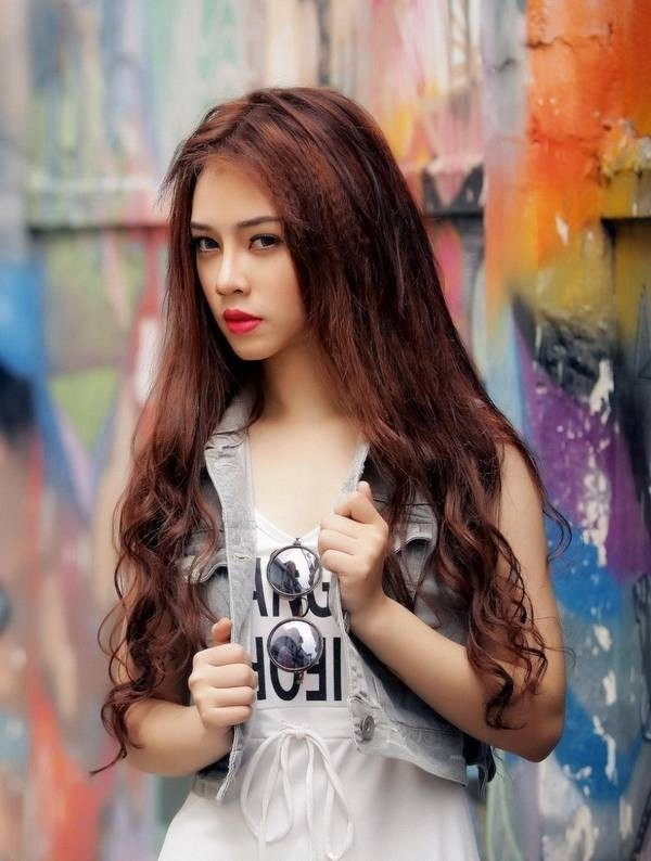 Stylish Girl HD wallpapers For Facebook Download 600x794