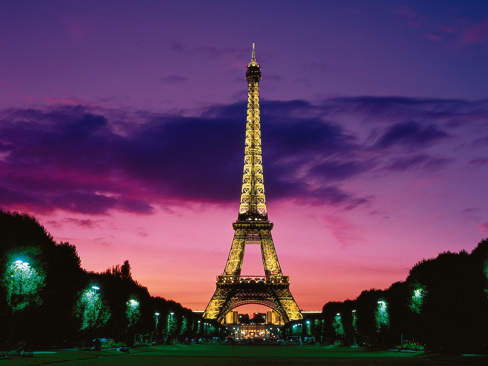 Eiffel Tower at Night Paris France Wallpapers HD Wallpapers 1600x1200