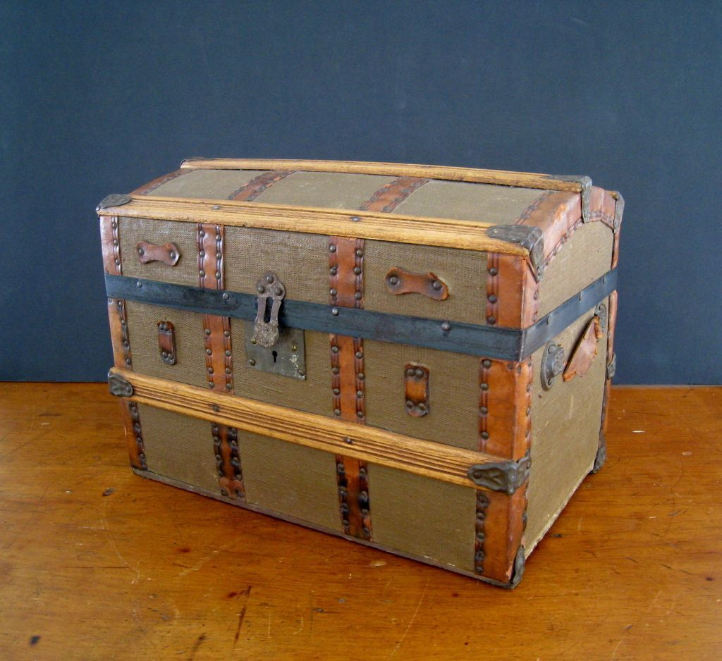 Antique Dome Top Doll Trunk c1900 Miniature Steamer Trunk RCL233 1024x938