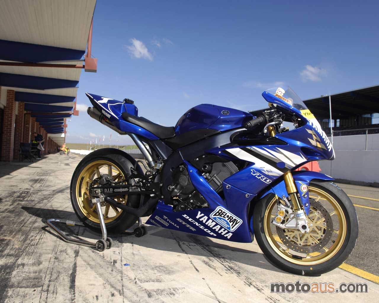Yamaha R1 Wallpaper 7289 Hd Wallpapers in Bikes   Imagescicom 1280x1024