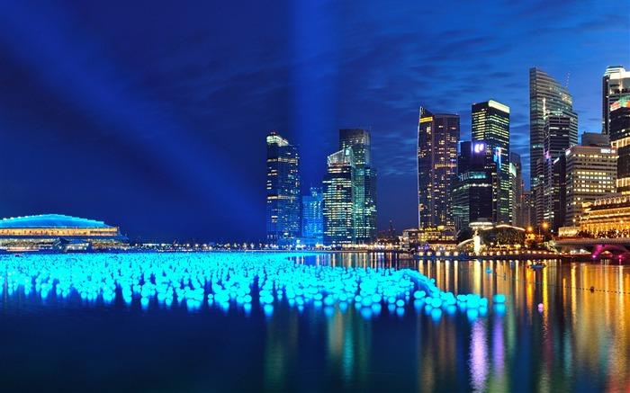 Windows 8 official cityscape panorama theme Wallpaper 15 Wallpapers 700x437