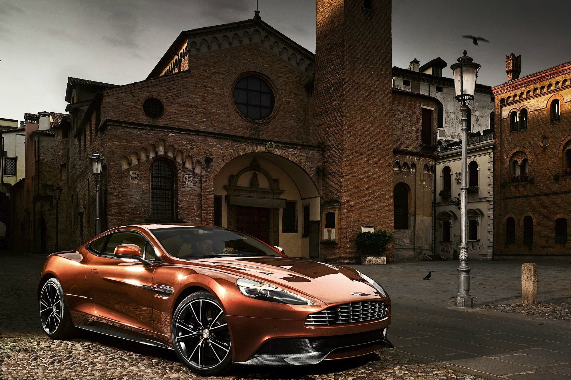 Aston Martin Vanquish 2014 HD Wallpaper 262 2000x1333
