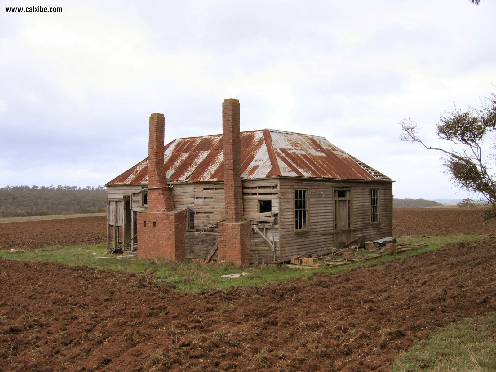 Miscellaneous Country Old Farmhouse picture nr 11482 1600x1200